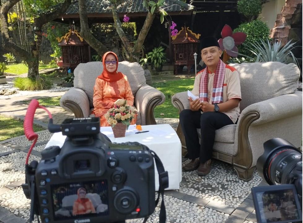 Caption Foto : Kajian Islam Bersama Bupati Jombang Ibu Nyai Hj. Mundjidah Wahab