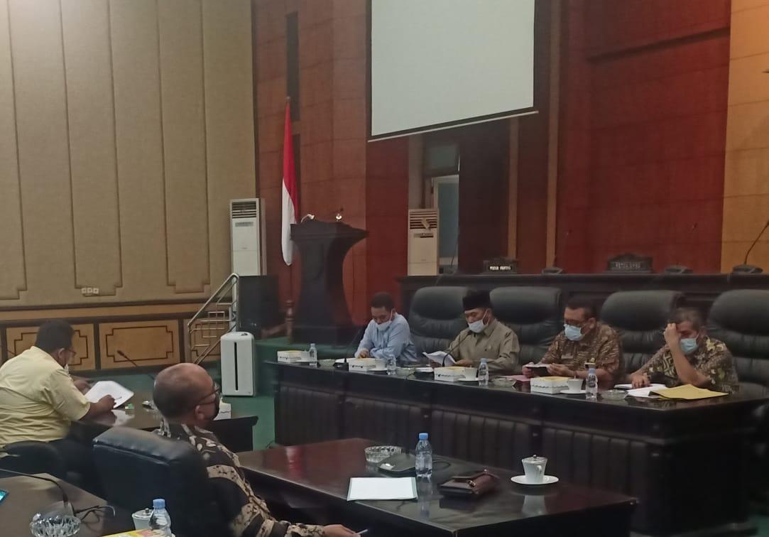 Ruang Paripurna Hearing Komisi B DPRD dengan AMJ